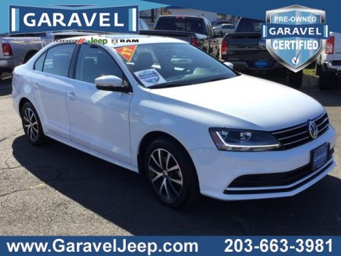 Certified Pre-Owned 2017 Volkswagen Jetta 1.4T SE FWD 4D Sedan