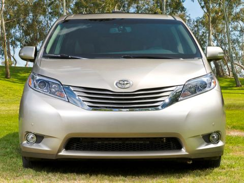 Certified Pre-Owned 2017 Toyota Sienna Limited Premium With Navigation & AWD